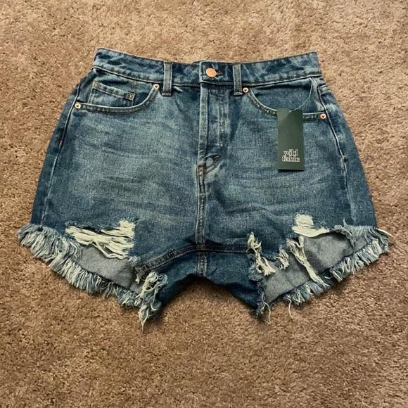 NWT High-Rise Jean Shorts 4/27